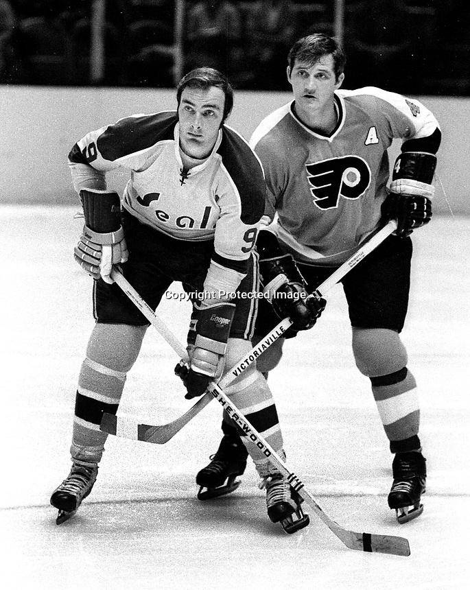 Seals Wayne Carleton and Flyer #4 Barry Ashbee<br />(1971 photo/Ron Riesterer)