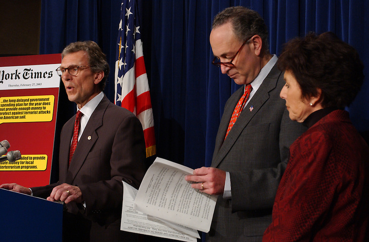 Security3_022703 -- Democratic Leader Tom Daschle, D-SD., Charles Schumer, D-NY., and Barbara Boxer, D-CA., during a press conference on Homeland Security Department's report card.