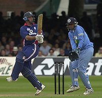 .29/06/2002.Sport - Cricket - .NatWest triangler Series England - Sri Lanka - India.England vs india 50 overs.  Lord's ground.England batting -  Nasser Hussian with inian wicket keeper Rahul Dravid...