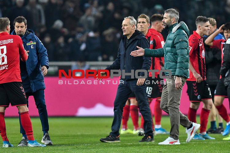 01.12.2019, Borussia-Park - Stadion, Moenchengladbach, GER, DFL, 1. BL, Borussia Moenchengladbach vs. SC Freiburg, DFL regulations prohibit any use of photographs as image sequences and/or quasi-video<br /> <br /> im Bild Christian Streich (SC Freiburg) Marco Rose (Borussia Moenchengladbach) nach Spielschluss bei den Mannschaften<br /> <br /> Foto © nordphoto/Mauelshagen