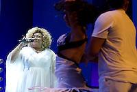 """SAO PAULO, SP, 05 DE JULHO DE 2013 – SHOW ALCIONE - A cantora e compositora  Alcione, durante show de encerramento da turnê """"De Tudo Que Eu Gosto""""na noite desta sexta feira (5) no HSBC Brasil em São Paulo. FOTO: LEVI BIANCO - BRAZIL PHOTO PRESS"""