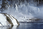 Firehole River, Upper Geyser Basin, Old Faithful