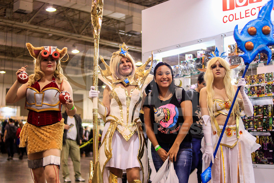 SAO PAULO, SP - 08.07.2017 - ANIME-FRIENDS - Movimentação do público geek vestidos com cosplays durante o maior evento de cultura pop japonesa no Brasil o Anime Friends no Expo Transamérica, zona sul de São Paulo, neste sábado, 08.<br />