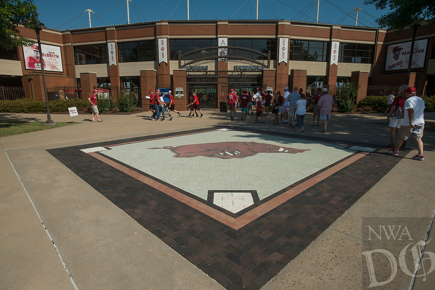 NWA Democrat-Gazette/BEN GOFF @NWABENGOFF<br /> Arkansas fans Saturday, June 9, 2018, during game one of the NCAA Super Regional at Baum Stadium in Fayetteville.