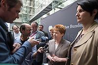 """Am Mittwoch den 11. Mai 2016 fand die 18. Sitzung des 2. NSU-Untersuchungsausschusses des Deutschen Bundestag statt. <br /> Als Zeugen waren gelanden: Kriminalhauptkommissar Mario Woetzel und der leitende Kriminaldirektor Michael Menzel.<br /> Kurz vor Sitzungsbeginn wurde dem Ausschuss durch die Bundesregierung mitgeteilt, dass (angeblich durch Zufall) ein Handy des V-Mannes """"Corelli"""" aufgetaucht sei. Das Handy wurde, nach Aussagen von Ausschussmitgliedern, schon 2015 gefunden, dies aber dem Ausschuss erst kurz vor der Sitzung am 11. Mai 2016 mitgeteilt. Es sollen sich ueber 200 Datensaetze mit Kontakten in die Naziszene in ganz Europa auf dem Handy befinden..<br /> Im Bild vlnr.: Petra Pau, Obfrau der Linkspartei im Ausschuss; Irene Mihalic, Obfrau von Buendnis 90/Die Gruenen bei einem gemeinsamen Interview.<br /> 11.5.2016, Berlin<br /> Copyright: Christian-Ditsch.de<br /> [Inhaltsveraendernde Manipulation des Fotos nur nach ausdruecklicher Genehmigung des Fotografen. Vereinbarungen ueber Abtretung von Persoenlichkeitsrechten/Model Release der abgebildeten Person/Personen liegen nicht vor. NO MODEL RELEASE! Nur fuer Redaktionelle Zwecke. Don't publish without copyright Christian-Ditsch.de, Veroeffentlichung nur mit Fotografennennung, sowie gegen Honorar, MwSt. und Beleg. Konto: I N G - D i B a, IBAN DE58500105175400192269, BIC INGDDEFFXXX, Kontakt: post@christian-ditsch.de<br /> Bei der Bearbeitung der Dateiinformationen darf die Urheberkennzeichnung in den EXIF- und  IPTC-Daten nicht entfernt werden, diese sind in digitalen Medien nach §95c UrhG rechtlich geschuetzt. Der Urhebervermerk wird gemaess §13 UrhG verlangt.]"""