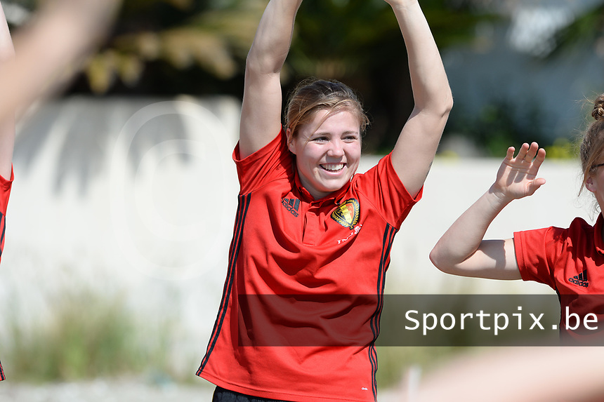 20180302 - LARNACA , CYPRUS :  Belgian Justien Odeurs pictured during a Muscular warm up training session on the beach before a women's soccer game between The Belgian Red Flames and Spain , on friday 2 March 2018 on the CTO Beach in Larnaca , Cyprus . The game will be the second game in group B for Belgium during the Cyprus Womens Cup , a prestigious women soccer tournament as a preparation on the World Cup 2019 qualification duels. PHOTO SPORTPIX.BE | DAVID CATRY