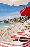 France, Provence-Alpes-Côte d'Azur, Menton: with beach at Promenade de la Mer | Frankreich, Provence-Alpes-Côte d'Azur, Menton: mit Strand an der Promenade de la Mer