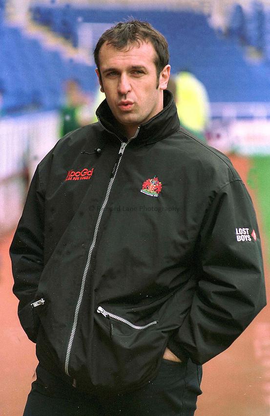 Photo. Peter Spurrier.16.04.2002.London Irish v Gloucester.Phillip Saint Andre, before the kick off... London Irish v Gloucester. .........