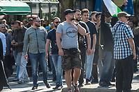 """Mitglieder der Gruppe """"Jugendwiderstand"""" marschierten am Samstag den 1. Juni 2019 in Berlin mit im antiisraelischen """"Al Quds-Marsch"""" gegen Israel. Alljaehrlich marschieren radikale Islamisten, Anhaenger der Hisbollah und der Diktatur im Iran zum Ende des islamischen Fastenmonats Ramadan durch Berlin und rufen zum Kampf gegen Israel auf. Sie wollen """"die Juden"""" aus Jerusalem (Quds) vetreiben und Israel vernichten.<br /> Die Gruppe """"Jugendwiderstand"""" ist in Berlin in der Oeffentlichkeit vorallem durch Gewalttaten gegen juedische Menschen und Linke aufgefallen. Sie selber bezeichnen sich als """"Marxisten-Leninisten-Maoisten"""".<br /> Am 9. Juni 2019 verkuendete die Gruppe nach 5 Jahren via Internet ihre Aufloesung.<br /> Im Bild: David S. (alias TJ Detweiler, alias Siegfried Jugendkraft) macht ein Zeichen des """"Hals abschneiden"""" in Richtung der pro-israelischen Gegendemonstranten.<br /> 1.6.2019, Berlin<br /> Copyright: Christian-Ditsch.de<br /> [Inhaltsveraendernde Manipulation des Fotos nur nach ausdruecklicher Genehmigung des Fotografen. Vereinbarungen ueber Abtretung von Persoenlichkeitsrechten/Model Release der abgebildeten Person/Personen liegen nicht vor. NO MODEL RELEASE! Nur fuer Redaktionelle Zwecke. Don't publish without copyright Christian-Ditsch.de, Veroeffentlichung nur mit Fotografennennung, sowie gegen Honorar, MwSt. und Beleg. Konto: I N G - D i B a, IBAN DE58500105175400192269, BIC INGDDEFFXXX, Kontakt: post@christian-ditsch.de<br /> Bei der Bearbeitung der Dateiinformationen darf die Urheberkennzeichnung in den EXIF- und  IPTC-Daten nicht entfernt werden, diese sind in digitalen Medien nach §95c UrhG rechtlich geschuetzt. Der Urhebervermerk wird gemaess §13 UrhG verlangt.]"""
