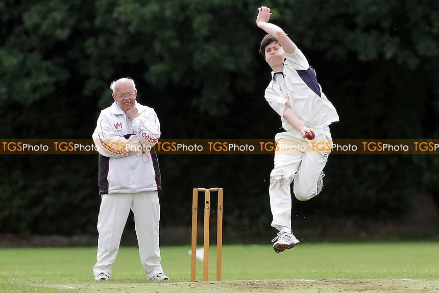Hornchurch CC 5th XI vs Upminster CC 6th XI - Essex Cricket League at Met Police Sports Ground, Chigwell - 25/06/11 - MANDATORY CREDIT: Gavin Ellis/TGSPHOTO - Self billing applies where appropriate - Tel: 0845 094 6026