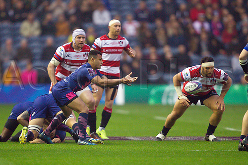 May 12th 2017, BT Murrayfield, Edinburgh, Scotland; European Rugby Challenge Cup Final; Gloucester versus Stade Francais;   Will Geni (Stade Français) spins the ball out wide