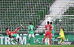 Tor 0:1:  Kai Havertz (Leverkusen)/l. trifft gegen Theodor Gebre Selassie (Bremen) und Torwart Jiri Pavlenka (Bremen) vor leeren Raengen.<br /><br />Sport: Fussball: 1. Bundesliga: Saison 19/20: 26. Spieltag: SV Werder Bremen - Bayer 04 Leverkusen, 18.05.2020<br /><br />Foto: Marvin Ibo GŸngšr/GES /Pool / via gumzmedia / nordphoto