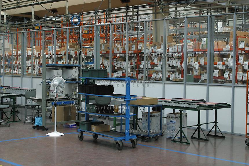 ITALIA- Scarmagno (IVREA) - ex stabilimenti Olivetti - luogo di lavoro ora chiuso.capannoni abbandonati