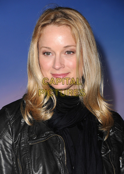 Hollywood, CA - NOVEMBER 19: Teri Polo arrives at The Disney FROZEN Premiere held at The El Capitan Theatre in Hollywood, California on November 19,2012                                                                               <br /> CAP/DVS<br /> &copy;DVS/Capital Pictures