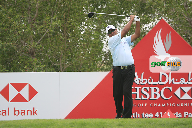 Michael Campbell tees off on the 13th tee during Thusday Day 1 of the Abu Dhabi HSBC Golf Championship, 20th January 2011..(Picture Eoin Clarke/www.golffile.ie)
