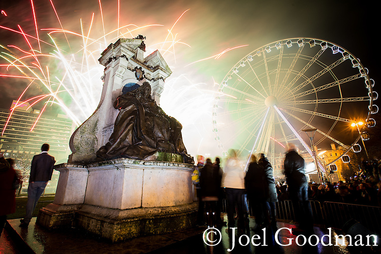 © Joel Goodman - 07973 332324 . 01/01/2014 . Manchester , UK . Celebrations and fireworks in Manchester's Piccadilly Gardens overnight (31st December 2013/1st January 2014) to mark the start of the New Year ( 2014 )  . Photo credit : Joel Goodman