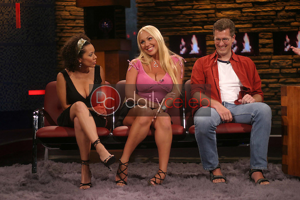 Laura Swisher, Mary Carey and an audience member