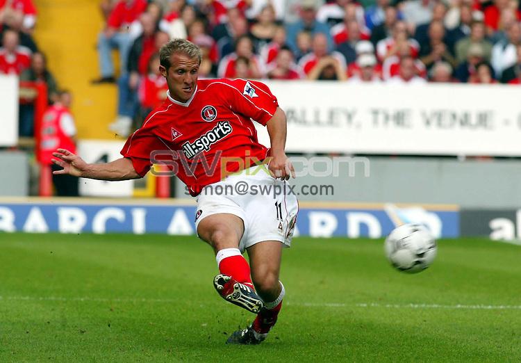 Pix: Rob Matthews/SWpix.com.  Soccer. FA Barclaycard Premiership. Charlton v Manchester United. 28/09/2002...COPYRIGHT PICTURE>>SIMON WILKINSON>>01943 436649>>..Charlton's John Robinson.