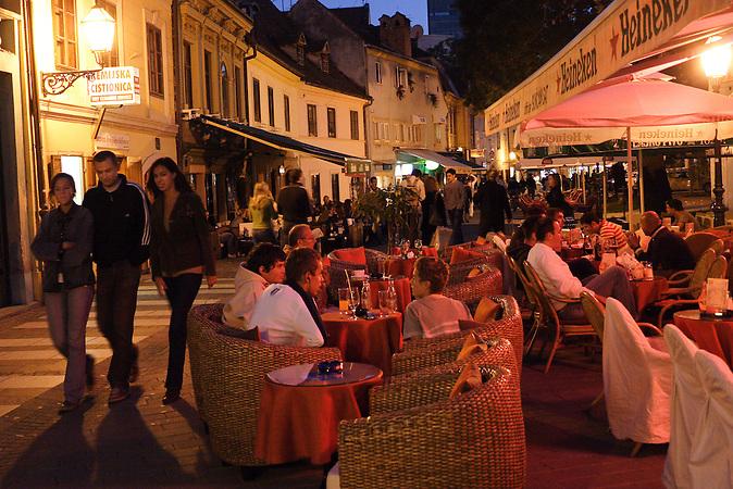 Die Tkal?i?eva ist die Ausgehstraße in Zagreb. / The Tkal?i?eva is the nightlife street in Zagreb.