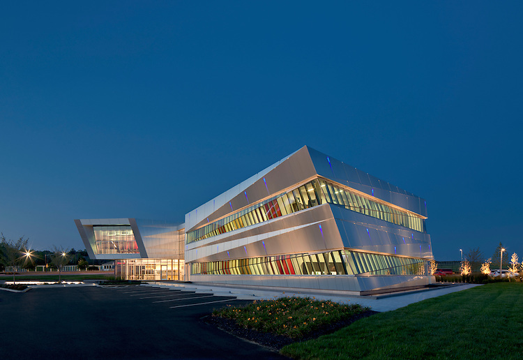 The Connor Group Corporate Headquarters | Moody Nolan, The Connor Group, Messer Construction Co., Korda/Nemeth Engineering, Prater Engineering, Edge, Visions by Grant & CD+M Lighting Design group