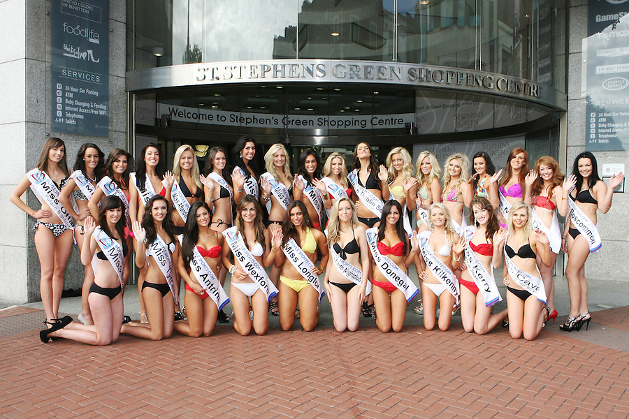 17/9/2010. Miss Ireland contestants.  The 35 Miss Ireland contestants officially unveiled in their swimwear and sashes for the 1st time at Stephen's Green Shopping Centre,  Dublin. Picture James Horan/Collins Photos