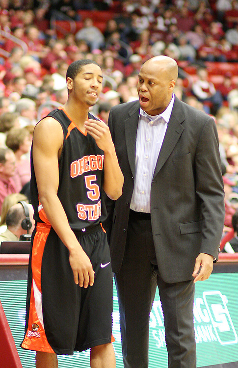 First year Oregon State head basketball coach, Craig Robinson, makes a point with Josh Tarver (#5) during the Beavers Pac-10 conference battle with Washington State University on February 14, 2009, in Pullman, Washington.  OSU came back from a 12 point halftime defecit to defeat the Cougars 54-52.