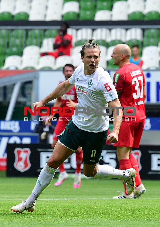 3:0 Tor, Jubel Torschuetze Niclas Fuellkrug (Bremen)<br />