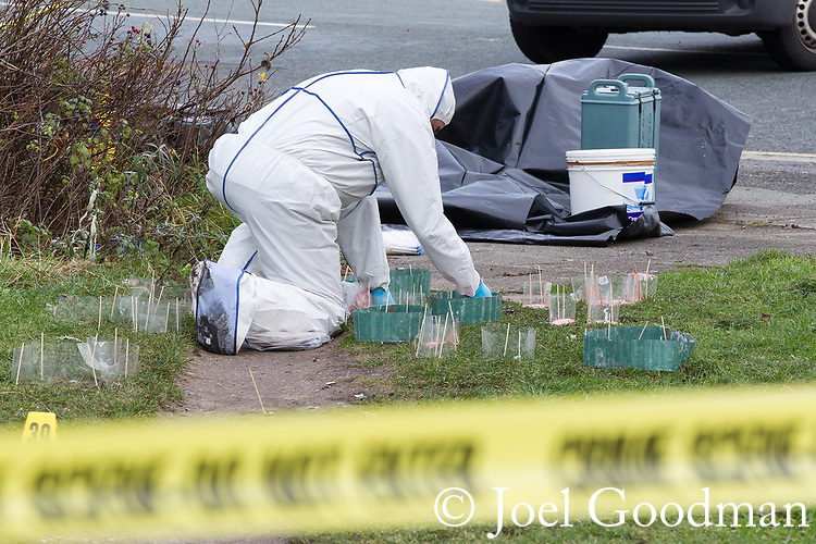 © Joel Goodman - 07973 332324 . 27/12/2011 . Salford , UK . Police forensic scenes of crime examiners work at the scene of the murder of Anuj Bidve on Ordsall Lane . Bidve was shot and killed by Kiaran Stapleton on 26 December 2011 . Photo credit: Joel Goodman