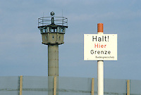 - Inner Border between Federal Republic of Germany (RFT) and German Democratic Republic (DDR), watchtower....- Confine Interno fra Repubblica Federale Tedesca (RFT) e Repubblica Democratica Tedesca (DDR), torre di guardia
