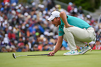 Danny Willett (GBR) lines up his putt on 3 during round 4 of the 2019 US Open, Pebble Beach Golf Links, Monterrey, California, USA. 6/16/2019.<br /> Picture: Golffile | Ken Murray<br /> <br /> All photo usage must carry mandatory copyright credit (© Golffile | Ken Murray)