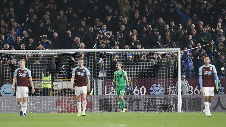 Burnley's Joe Hart looks dejected along with his team-mates after conceding a fourth goal, scored by Everton's Lucas Digne (not pictured)<br /> <br /> Photographer Rich Linley/CameraSport<br /> <br /> The Premier League - Burnley v Everton - Wednesday 26th December 2018 - Turf Moor - Burnley<br /> <br /> World Copyright © 2018 CameraSport. All rights reserved. 43 Linden Ave. Countesthorpe. Leicester. England. LE8 5PG - Tel: +44 (0) 116 277 4147 - admin@camerasport.com - www.camerasport.com