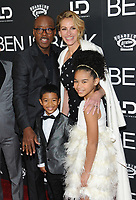 NE WYORK, NY - DECEMBER 3: Courtney B. Vance, Julia Roberts, Jakari Fraser and Mia Fowler at the New York Premiere Of Ben Is Back at AMC Loews Lincoln Square in New York City on December 3, 2018. <br /> CAP/MPI/JP<br /> &copy;JP/MPI/Capital Pictures