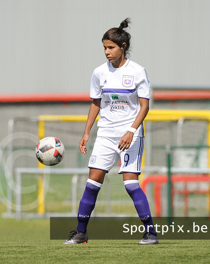 20160813 - Tubize , BELGIUM : Anderlecht's Fernanda Borzuk  pictured during a friendly game between Dames RSC Anderlecht and FC Femina White Star Woluwe during the preparations for the 2016-2017 season , Saturday 13 August 2016 ,  PHOTO Dirk Vuylsteke | Sportpix.Be