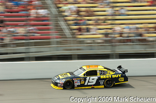 June 14 2009:  Elliot Sadler races in the LifeLock 400 at Michigan International Speedway in Brooklyn, MIchigan.