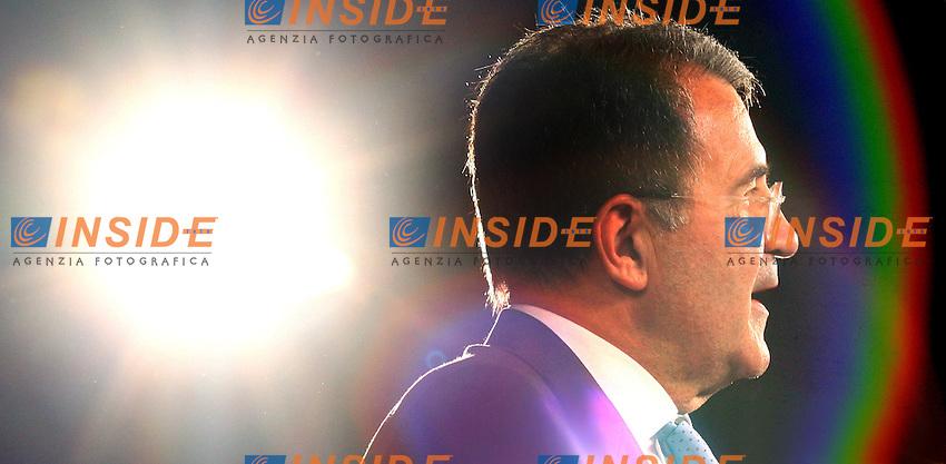 Roma 26-06-2006 Palazzo dei Congressi:Quattordicesimo Congresso della UIL dal titolo &quot;Il lavoro vera ricchezza del paese&quot;<br /> Nella foto il presidente del Consiglio Romano Prodi<br /> Photo Serena Cremaschi Insidefoto