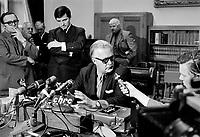 Jean Lesage annonce qu'il demissione comme chef du Parti Liberal, le 28 aout 1969<br /> <br /> Photographe : Photo Moderne - Agence Quebec Presse