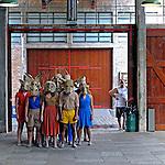 Atores em perfomance no Sesc Pompeia. São Paulo. 2015. Foto de Juca Martins.