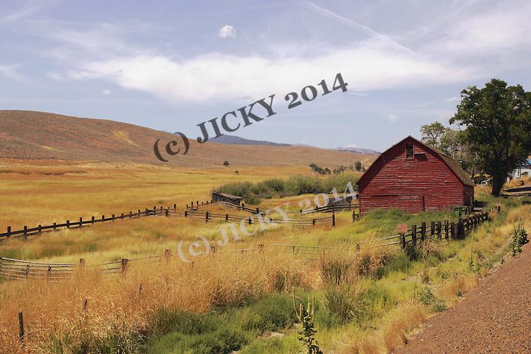Barn off highway 26