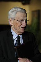 Claude Beland, NOvember 25, 2012.