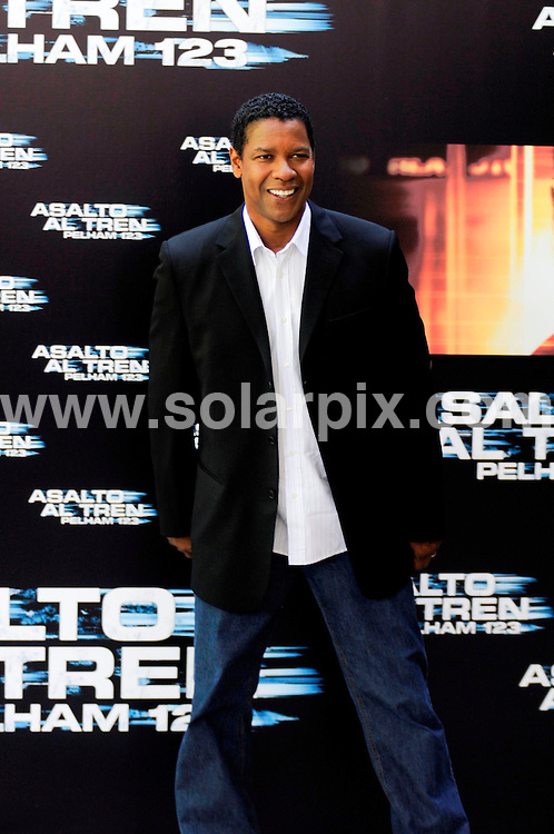 """**ALL-ROUND PICTURES FROM SOLARPIX.COM**.**WORLDWIDE SYNDICATION RIGHTS -  NO SYNDICATION IN SPAIN**.Denzel Washinton in Madrid to promote the film """"Taking of Pelham 123"""".This pic:   Denzel Washington.JOB REF:   9522   SKX      DATE:  17.07.09.**MUST CREDIT SOLARPIX.COM OR DOUBLE FEE WILL BE CHARGED**.**NOTIFICATION OF ONLINE USAGE TO PHOTO @ SOLARPIX.COM**.**CALL SOLARPIX : +34 952 811 768 or LOW RATE FROM UK 0844 617 7637**"""