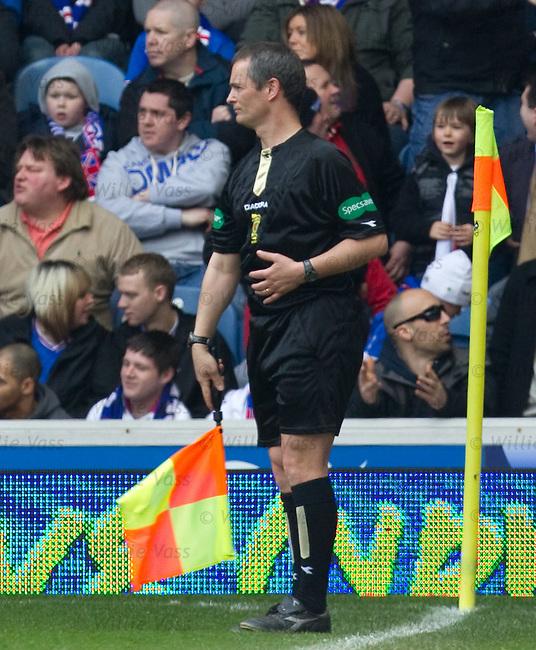 Govan standside linesman flags James McArthur offside