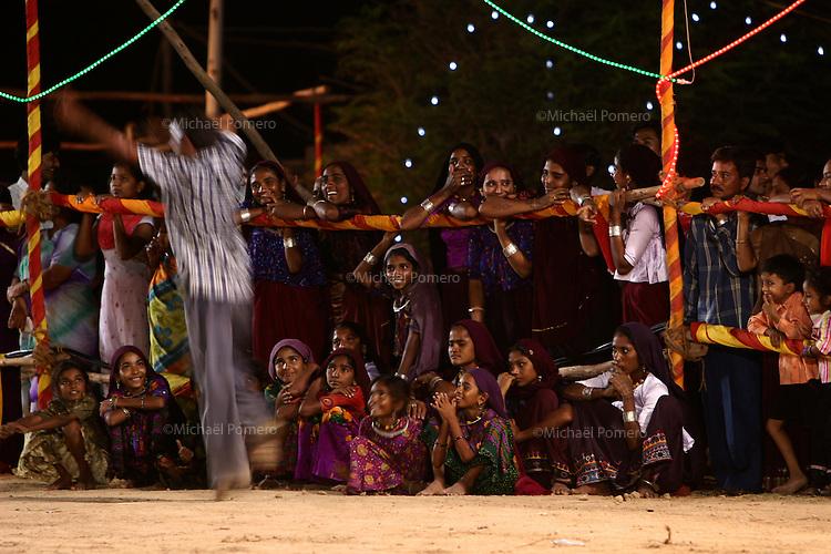 03.10.2008  Dwarka(Gujarat)<br /> <br /> Man dancing during the navratri festival(celebrating durga).<br /> <br /> Homme dansant pendant le navratri festival(celebrant durga).