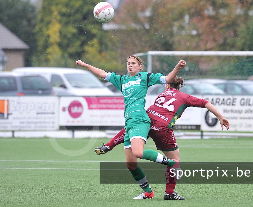 Dames Zulte - Waregem - OHL Oud Heverlee Leuven : Ellen Charlier in duel.foto JOKE VUYLSTEKE / Vrouwenteam.be