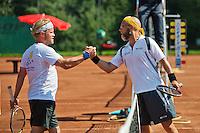 Netherlands, Amstelveen, August 23, 2015, Tennis,  National Veteran Championships, NVK, TV de Kegel,  Final men's 40+, Jeroen Bok (R) is congratulated by Taavi Suorsa<br /> Photo: Tennisimages/Henk Koster
