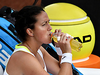 BOGOTÁ-COLOMBIA, 12-04-2019: Lara Arruabarena de España, se hidrata durante partido por el Claro Colsanitas WTA, que se realiza en el Carmel Club en la ciudad de Bogotá. / Lara Arruabarrena of Spain, hydrates during a match for the WTA Claro Colsanitas, which takes place at Carmel Club in Bogota city. / Photo: VizzorImage / Luis Ramírez / Staff.