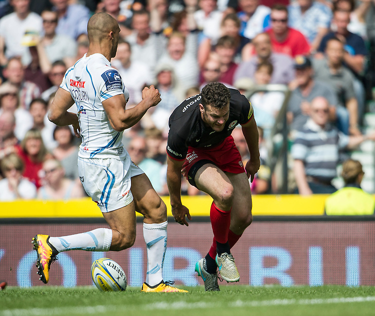 Duncan Taylor of Saracens scores his sides first try<br /> <br /> Photographer Ashley Western/CameraSport<br /> <br /> Rugby Union - Aviva Premiership Final - Saracens v Exeter Chiefs - Saturday 28th May 2016 - Twickenham Stadium, Twickenham, London  <br /> <br /> World Copyright &copy; 2016 CameraSport. All rights reserved. 43 Linden Ave. Countesthorpe. Leicester. England. LE8 5PG - Tel: +44 (0) 116 277 4147 - admin@camerasport.com - www.camerasport.com