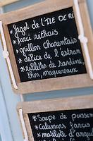 Europe/France/Poitou-Charentes/17/Charente-Maritime/Ars-en-Ré: Détail d'un menu régional d'un restaurant