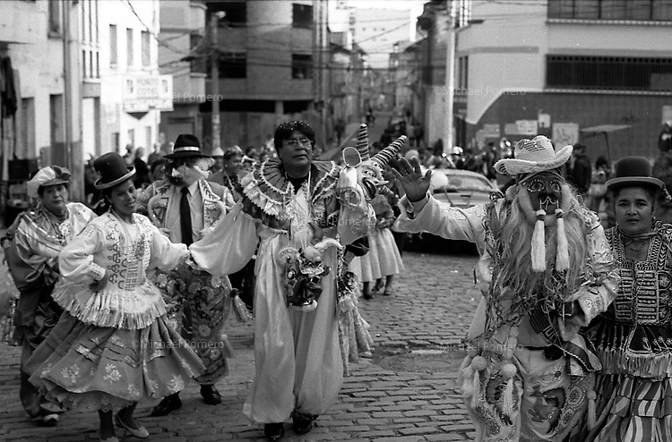 02.2010 La Paz (Bolivia)<br /> <br /> Sc&egrave;ne de rue pendant le Carnaval.<br /> <br /> Street scene during the carnival.