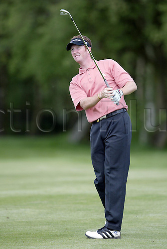 7 May 2004: Scottish golfer Steven O'Hara looks into the distance after playing an iron from the 6th fairway during the second round of the Daily Telegraph Damovo British Masters played at the Marriott Forest of Arden, Birmingham. Photo: Neil Tingle/Action Plus..040507 golf golfer golfers