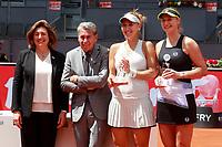 Ekaterina Makarova and Elena Vesnina, Russia, celebrate the victory in the Madrid Open Tennis 2018 WTA Doubles Final match in presence of Spanish tennis legend Manolo Santana. May 12, 2018.(ALTERPHOTOS/Acero) /NORTEPHOTOMEXICO